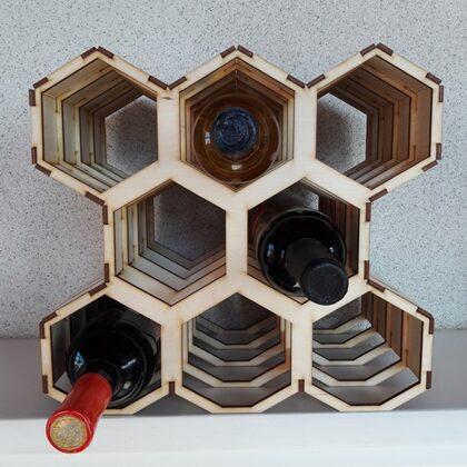Vīna pudeļu stends